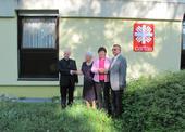 Společné foto s ředitelem (vpravo) před budovou