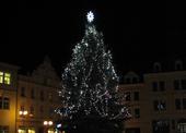 ... vánoční strom na náměstí v České Kamenici